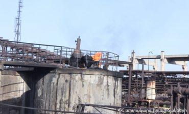 Ֆոտոշարք.«Նաիրիտում» հրդեհի 3 օջախներում կրակն ամբողջությամբ մարված է
