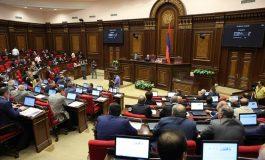 Հատուկ թողարկում. Արտահերթ նիստ ԱԺ-ում, վարչապետը խորհրդարանի դիմաց