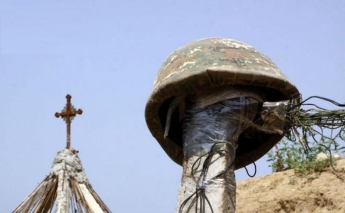 ՀՀ նախագահը զոհված զինծառայողին պարգևատրեց Մարտական ծառայության մեդալով