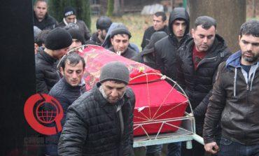 ՖՈՏՈ. Հայտնաբերվել է մարտին ձնահոսքի տակ մնացած ադրբեջանցի զինծառայողի դին