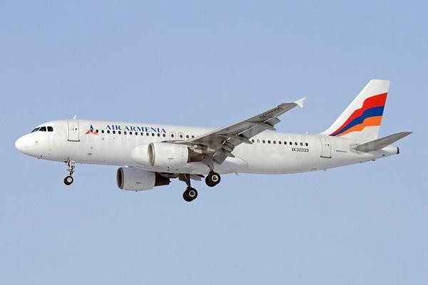 Երեւան-Մոսկվա ինքնաթիռը վառելիքի պակասի պատճառով արտակարգ վայրէջք է կատարել