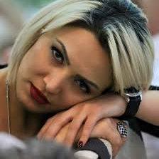 Անժելա Սարգսյանը շնորհավորել է սիրահարների տոնը ու մերկ լուսանկարներ հրապարակել