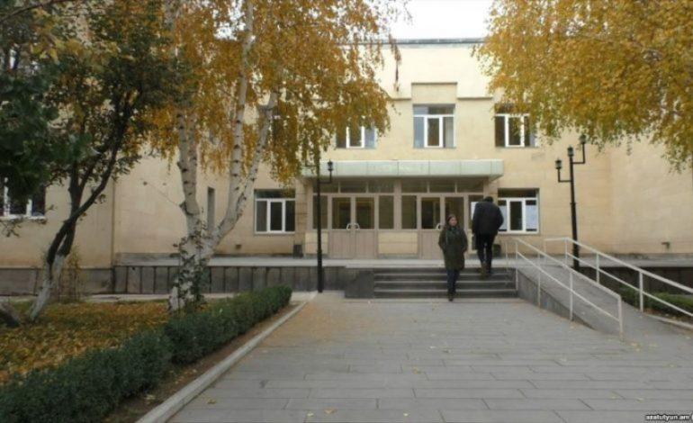 Ո՞վ է վարկաբեկում Շիրակի պետհամալսարանը. Գագիկ Համբարյան