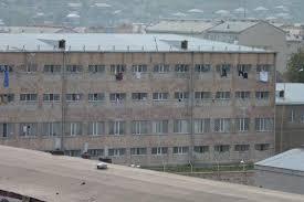 «Վանաձոր» ՔԿՀ-ի պետը «զոն նայող»-ների օգտին ակնհայտ ապօրինի գործողություններ է կատարել. 4 անձ կալանավորվել է