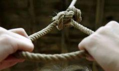 ՖՈՏՈ. Նոր Նորքում 33-ամյա տղամարդը խաղադաշտի ձողից կախվելու միջոցով ինքնասպան է եղել