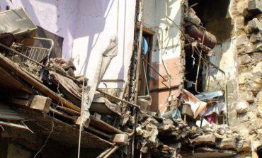 ՖՈՏՈ. Փլուզում Գյումրիի շենքերից մեկում. 11 բնակիչ է տարհանվել