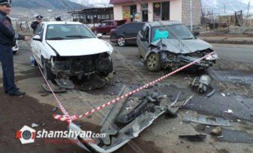 Ապարանում ճակատ-ճակատի բախվել են Lada-ն ու Samand-ը. կա 8 վիրավոր