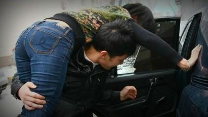 Սոցիոլոգ Ահարոն Ադիբեկյանի դուստրն ահազանգել է ոստիկանություն և հայտնել, որ իր ավտոմեքենայից աղջիկ են առևանգել