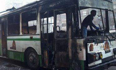 Հասրաթյան-Լենինգրադյան փողոցների խաչմերուկում տրոլեյբուս է այրվել