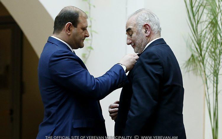 Լիոնի ազգությամբ հայ քաղաքապետը  կլինի Տարոն Մարգարյանի կողքին