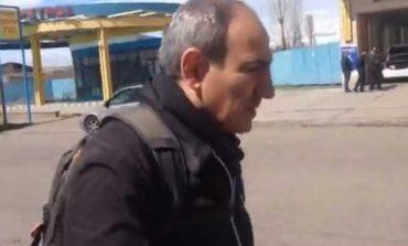 Նիկոլ Փաշինյանը Գյումրիից քայլելով գալիս է Երևան