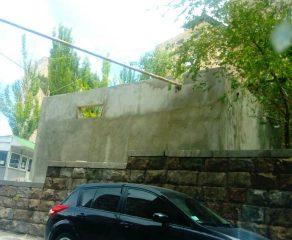 ՖՈՏՈ. Տարոն, վտանգավոր է. Ավանում գազի գլխավոր խողովակն անցնում է նորակառույց շինության միջով