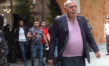 Մանվել Գրիգորյանը սեփականաշնորհել է մի ամբողջ փողոց