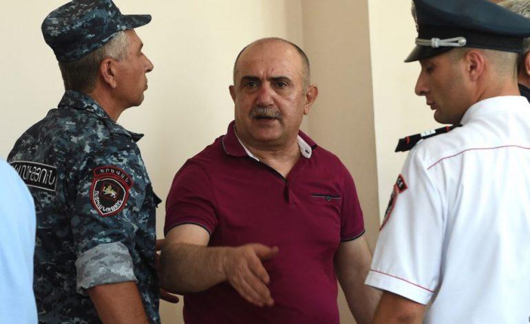 Պատգամավորները միջնորդում են փոխել Սամվել Բաբայանի և Սանասար Գաբրիելյանի խափանման միջոցը