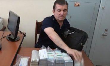ՏԵՍԱՆՅՈՒԹ. Բերման ենթարկվելիս Վաչագան Ղազարյանի ձեռքի պայուսակում 120.000 դոլար է եղել