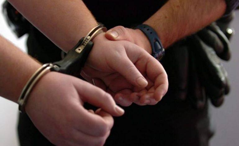 ՊՆ Նոր Նորքի զինկոմի տեղակալը մեղադրվում է կաշառք վերցնելու և ապօրինի զենք պահելու մեջ