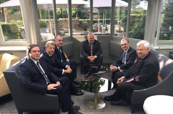 ԼՂ բանակցային գործընթացն այլընտրանք չունի. կայացել է Հայաստանի և Ադրբեջանի արտգործնախարարների հանդիպումը