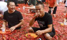ՖՈՏՈ. Չինաստանում կայացել է կծու պղպեղ ուտելու մրցույթը