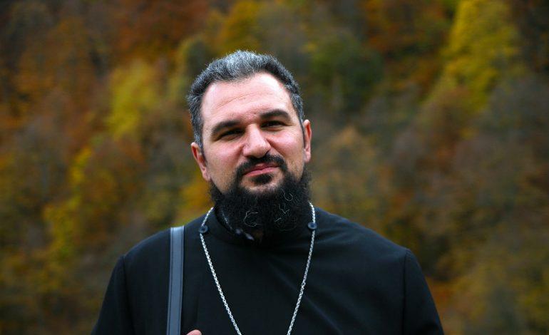 Մայր Աթոռի տեղեկատվական համակարգի ղեկավար Տեր Վահրամ քահանա Մելիքյանի ֆեյսբուքի էջը կոտրվել է