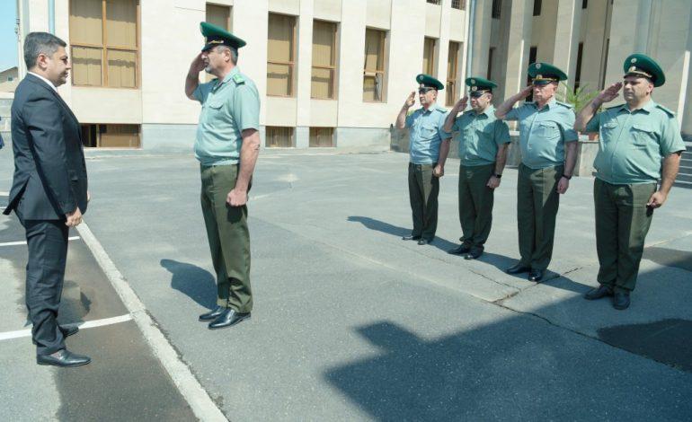 ՖՈՏՈ. Արթուր Վանեցյանն այցելեց ՀՀ ԱԱԾ Սահմանապահ զորքերի վարչական համալիր