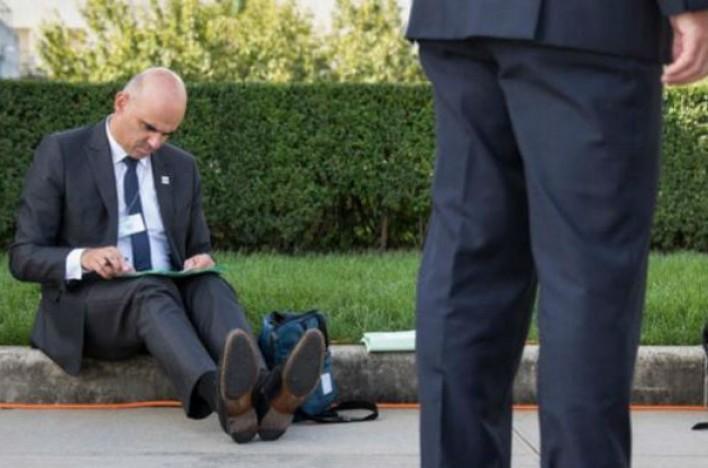 Շվեյցարիայի նախագահի լուսանկարն ապշեցրել է սոցցանցի օգտատերերին