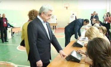 Սերժ Սագսյանը ընտրության էր եկել Ռիտա Սարգսյանի հետ