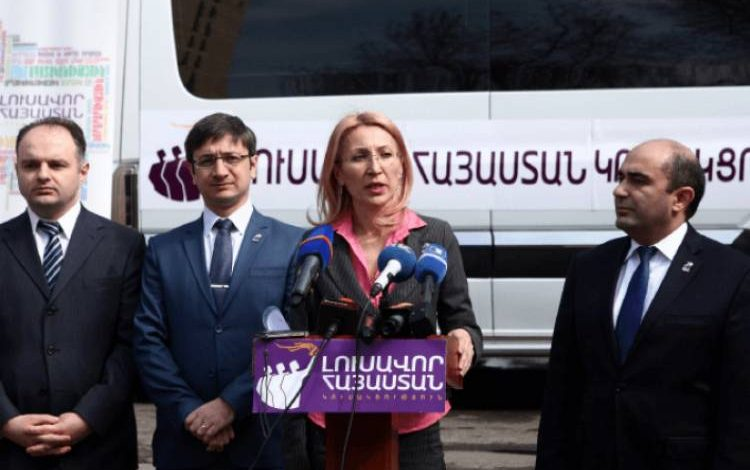 «Լուսավոր Հայաստանի»  անդամները փակել են Փաշինյանի  դաշինքի անդամների ճանապարհը` թույլ չտալով քարոզարշավ անել