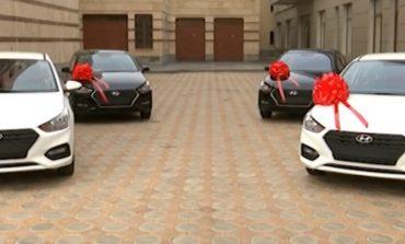 ՏԵՍԱՆՅՈՒԹ.Գագիկ Ծառուկյանը ևս 4 ավտոմեքենա է նվիրել հայ մարզիկներին