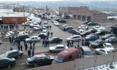 Քաղաքապետի թեկնածուներից մեկի կողմնակիցները փակել են Վարդենիս-Երևան մայրուղին. ոստիկանները բացատրական աշխատանքներ են տանում