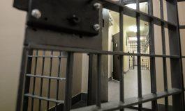«Ժողովուրդ». Քաոս՝ բանտերում. Արմեն Ամիրյանի խնամին է բժիշկներին պարտադրել է դուրս գալ աշխատանքից
