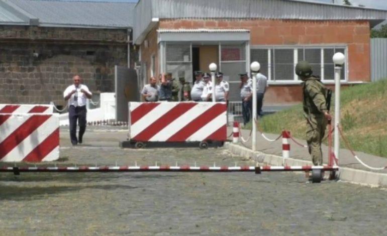 Առեղծվածային դեպք Գյումրիում. հայտնաբերվել է 23-ամյա զինծառայողի դին