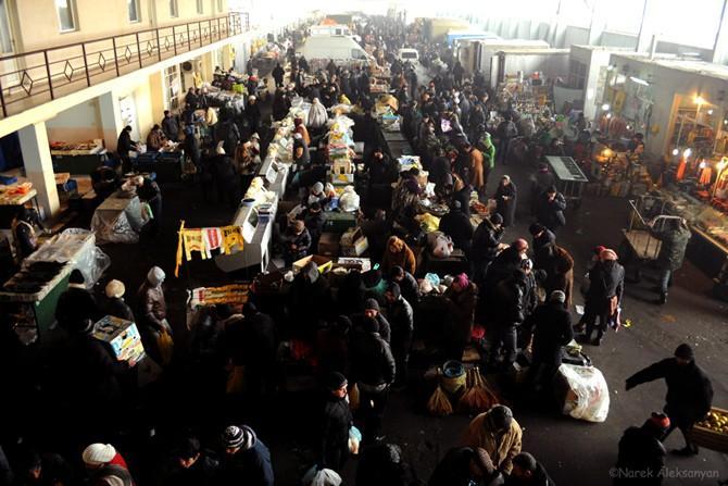 Մալաթիայի շուկայի առևտրականներից անօրինական գումարներ են հավաքել. հարուցվել է քրեական գործ