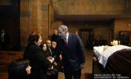 Նիկոլ Փաշինյանը ներկա է գտնվել Սուրեն Հարությունյանի հոգեհանգստի արարողությանը