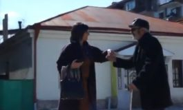 ՏԵՍԱՆՅՈՒԹ. Ինչպե՞ս են Ստեփանակերտում մարդիկ արձագանքում, երբ «կույր» պապիկի գրպանից թղթադրամներ են թափվում