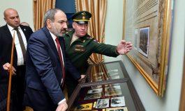 Նիկոլ Փաշինյանը ռուսական բազայում. Մոսկվան չի սիրում, երբ կասկածում են
