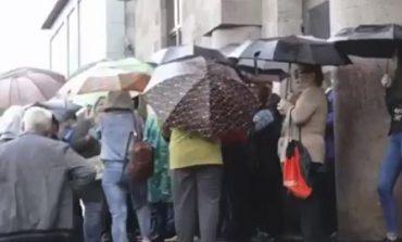 ՈՒՂԻՂ. Քաղաքացիները փակել են դատարանների դռները՝ Փաշինյանի հորդորով