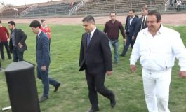 Ուղիղ միացում. Գագիկ Ծառուկյանն ու Արթուր Վանեցյանը մասնակցում են համայնքային ֆուտբոլային թիմերի առաջնության բացմանը