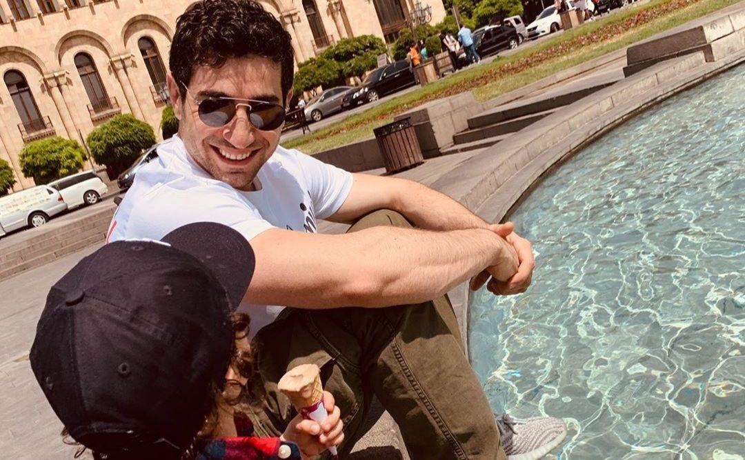 ՖՈՏՈ. Լևոն Քոչարյանի առավոտյան զբոսանքը Երևանում՝ որդու հետ