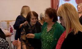 ՏԵՍԱՆՅՈՒԹ. Ռոզա Ծառուկյանն աջակցություն է ցուցաբերել նոյեմբերյանցի զոհված ազատամարտիկների ընտանիքներին