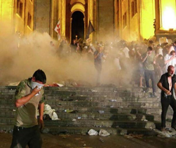 Ո՞վ է Թբիլիսի բախումների ժամանակ ձերբակալված ՀՀքաղաքացին և ի՞նչ է փոխանցել նա
