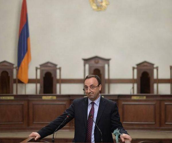 ՍԴ-ն հրաժարվեց վարույթ ընդունել Հրայր Թովմասյանի լիազորությունները դադարեցնելու վերաբերյալ ԱԺ դիմումը