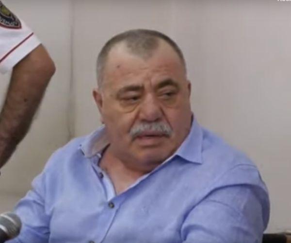 Ուղիղ միացում. Մանվել Գրիգորյանին դատական նիստերի դահլիճ բերեցին անվասայլակով