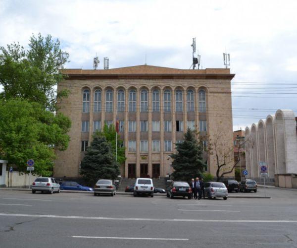 Ինչպես են քվեարկել ՍԴ անդամները Հրայր Թովմասյանի հարցով քննարկմանը