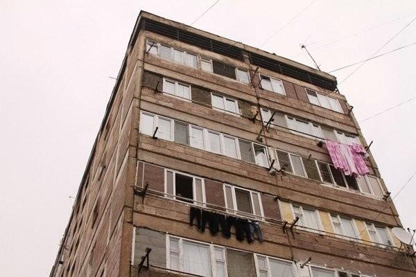 13-ամյա երեխա է ընկել բարձրահարկ շենքից