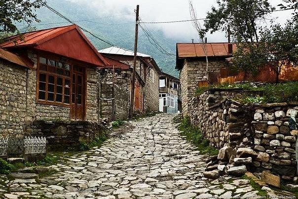 Ադրբեջանական գյուղերի բնակիչները լքում են իրենց տները