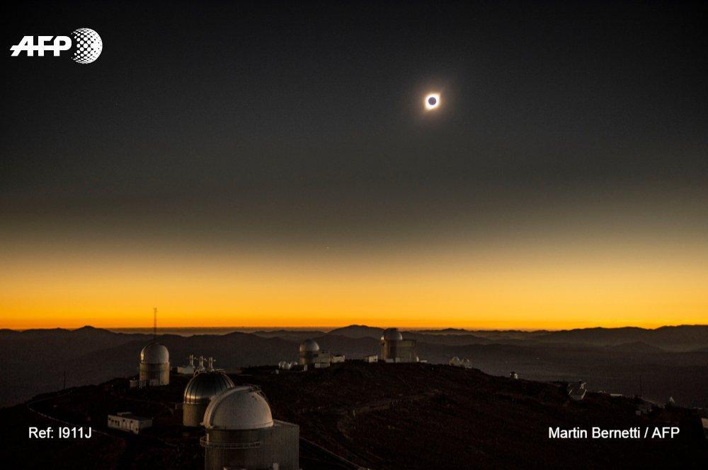 Համացանցում հայտնվել են արեգակնային լրիվ խավարումը պատկերող տեսանյութը
