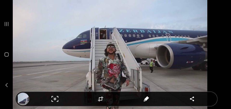 ՖՈՏՈ. Ֆիլիպ Կիրկորովը տեղաշարժվում է Իլհամ Ալիևի ինքնաթիռով. Գագիկ Համբարյան