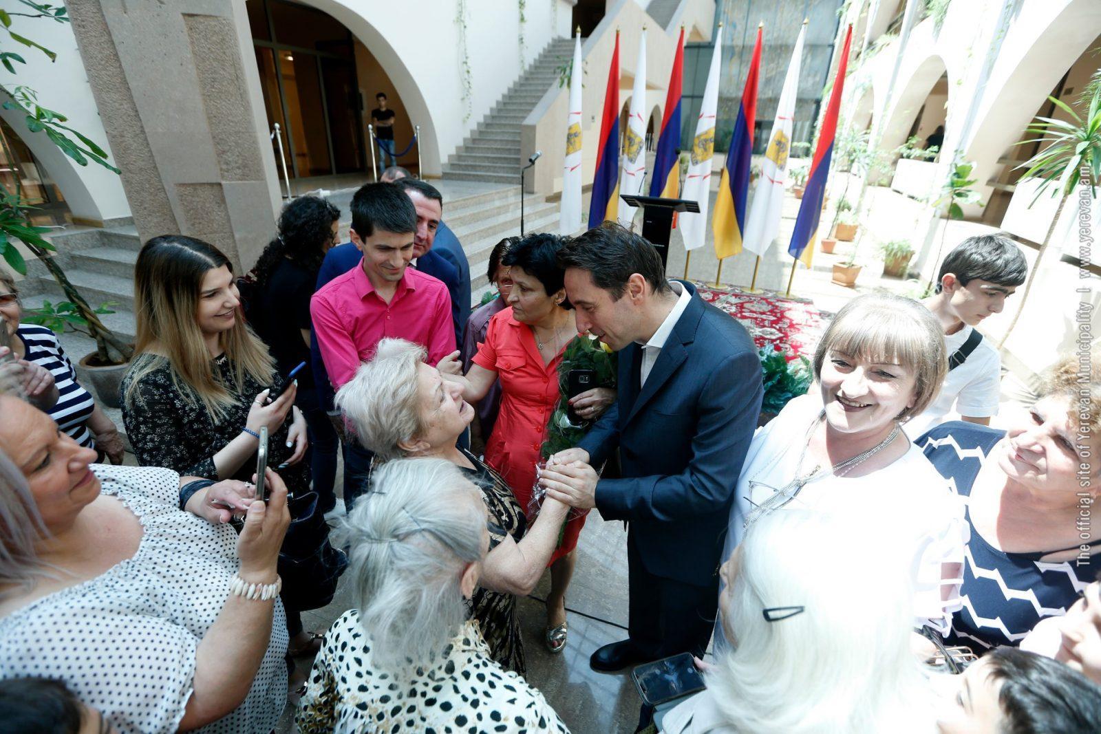 Երևանում 83 ընտանիք նոր բնակարան է ստացել