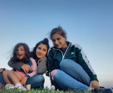 Նիկոլ Փաշինյանի դուստրերը նշում են Վարդավառը