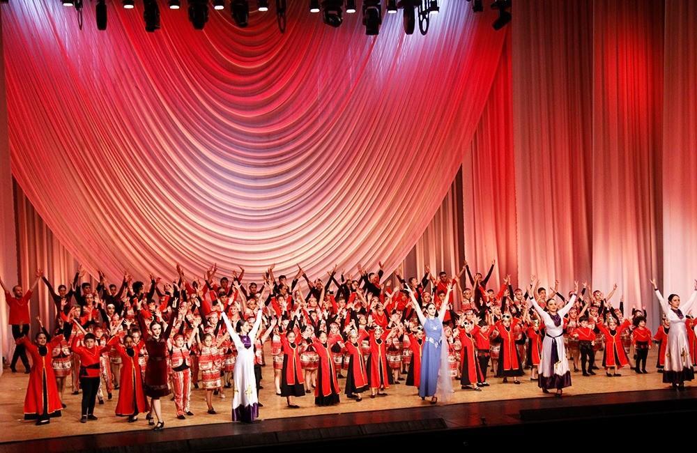 Օպերային թատրոնում կայացած փայլուն մենահամերգից հետո Հովհաննես Գասպարյանի անվան պարի ակադեմիան(Հովիկ Ստուդիո) հնչեցնում է ընդունելության զանգերը